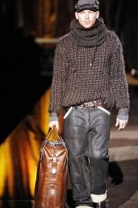 мужчина в свитере