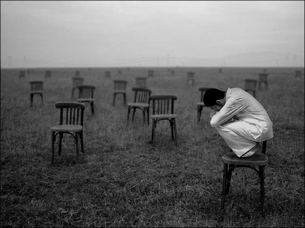 Среди нас встречаются люди, которые считают смыслом своего существования портить настроение другим. Они всегда всем недовольны, завистливы и не упускают возможность самоутвердиться за чужой счёт, забывая, что за хамством скрывается невежество!