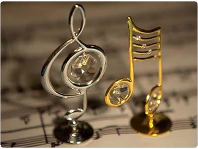 Льётся музыка, музыка, музыка