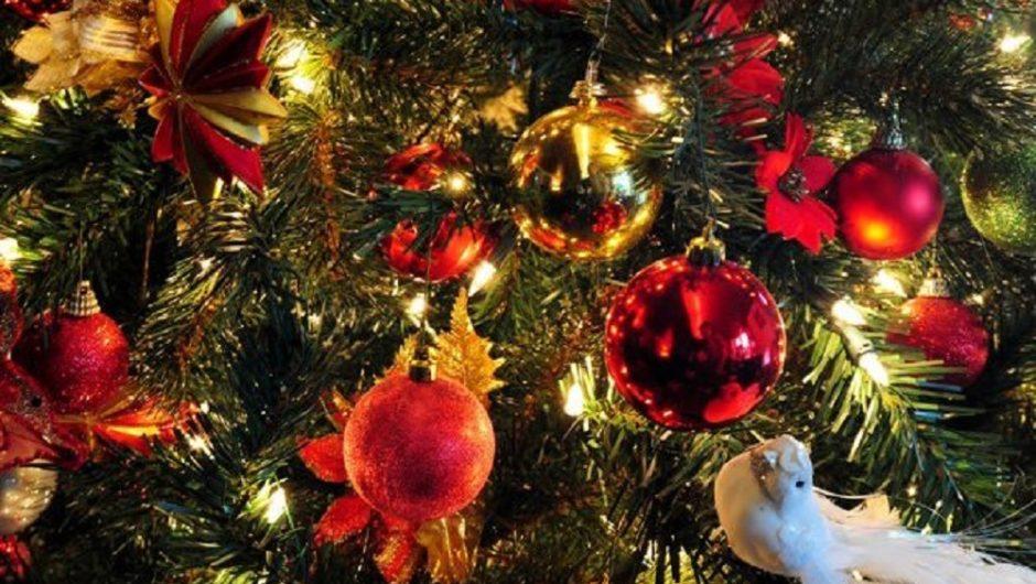 Совсем скоро Новый Год – любимый праздник, как для детей, так и для взрослых. Нужно хорошо подготовиться к такому празднику и одной самой распространенной проблемой является обустройство или декорирование дома.